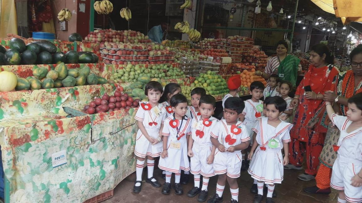 TINY TOTS VISIT TO THE FRUIT MARKET